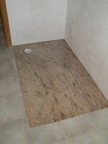 Granit demange exemples de douche en granit for Remplacer un receveur de douche