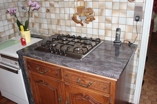 Graniterie andr demange quelques cuisines r alis es for Plaque de marbre cuisine